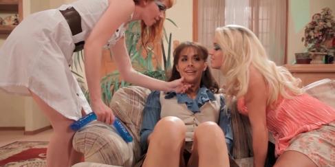 Toplu lezbiyen şov