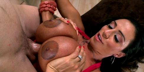 İşkence konulu mature porno videosu