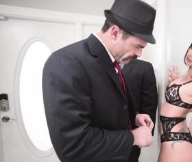 Mafya kızdan intikamını sikişerek aldı
