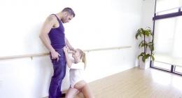 Öğretmenin sikiş dersi kızı inletti