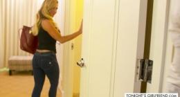 Tecavüz zevke dönüştü kız zevk inlemeleriyle komşuları rahatsız etti