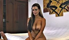 Güzel kadının erotik pornosu izleyenleri boşaltacak