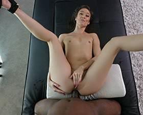 Enfes kalçaların arasında ateşli seks izle