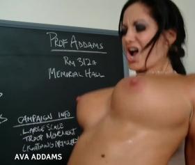 Kurs hocası sınıf içerisinde sikişti