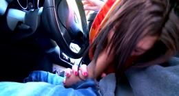 Sabia Memoun, arabada sakso çekmeye bayılıyor