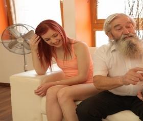 Yaşlı dedeye düşen taze 18lik çıtır,4K porno