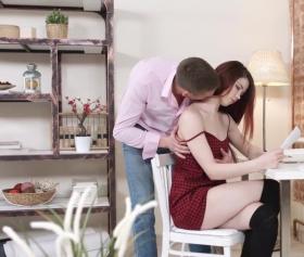 Bi dur amına koyim, ders çalışıyoruz şurda, konulu seks filmi