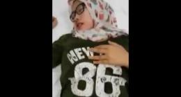Endonezyalı türbanlı boşalmak için can atıyor, hijab sex