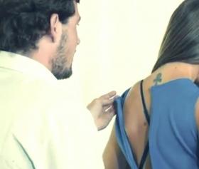 Kocasının yokluğunda, üvey oğluyla sex yapmak zorunda kalan olgun anne