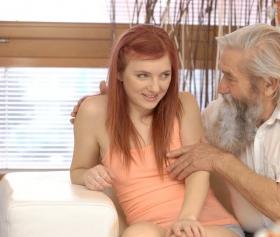 Korkma kızım götten sikmem seni merak etme, yaşlı porno