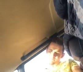 Mahmut bu kez arabada sikiyor hatunu