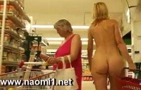 Markette çıplak hatunu görseydiniz ne yapardınız