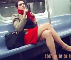 Metroda seksi bacaklar, bizi bitirdiği anlar