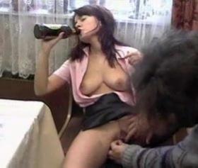 Rus kızını bi biraya tavlayıp sikmek çok kolay