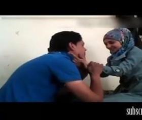 Sevimli Tunuslu Hatun, Cilveleşerek Yatmak İstedi