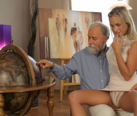Yaşlı öğretmenle kucakta coğrafya dersi, yaşlı porno izle