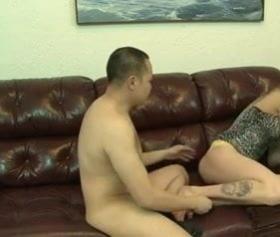 Asyalı adam travestiyi korkutarak sikmeye çalıştı