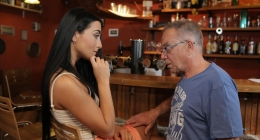 Barda tavladığı genç lolitayı oracıkta sikiverdi