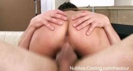 Çekik gözlü kızların kucakta seksi pornosunu izle