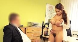 Çok kıllı sexi kadının, iş görüşmesindeki porna filmi