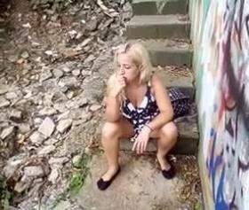 Kalede bulgar kızı domaltan azgın piçin erotik videosu
