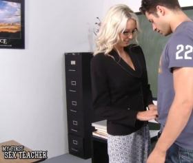 Sarışın seksi öğretmeni sikmek her öğrenciye nasip olmaz