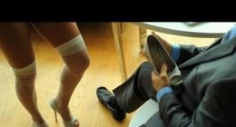 Sekreter patron arasındaki uzun konulu sikişi göster