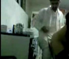 Türk doktor hastasını götten muayene ediyor, ifşa seks izle