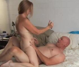 Ücretsiz kel kucakta sikiyor pornosuyla ünlü kadınlar seks filimleri