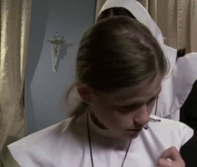 Uzun konulu rahibe kızların sevişmeli porno filmleri