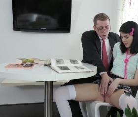 Yavrum senin vajinan ne kadar yanmış böyle ya