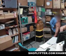 Arşiv pornolar, bodrum katta rutubetli porno filmi