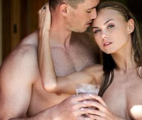 Ukraynalı fıstık gibi kızı sikip, azgınca becerme izle