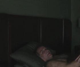 Akşam kıvırcık saçlı seks düşkünü kızın pornosu izle