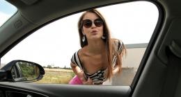 Genç kız yolunu kaybetmiş fake taksiye denk geliyor yolda sikiliyor