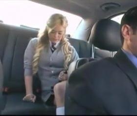 Amerikalı lise öğrencisi arabada şöförü ile sikişti