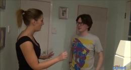 Evine ilk kez çağırdığı komşu oğlu ile sikişen kadın
