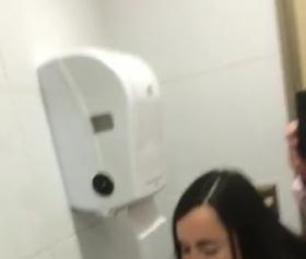Manisa Rektör ile tuvalette kısa sikiş