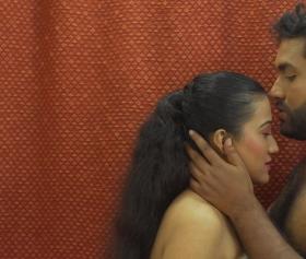 Hint kadının kızlık bozma videosu – İfşa