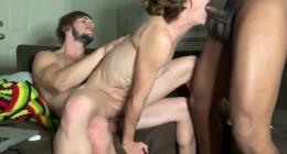 Azgın karı koca  biseksüel grup yapmayı koymuş kafaya