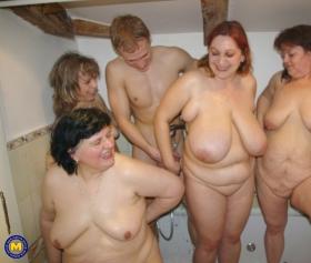 Şişman olgunlar genç erkeği grup sekste yedi resmen