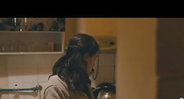 Arkadaşının annesinden sessizce yaklaşıp mutfakta sikti